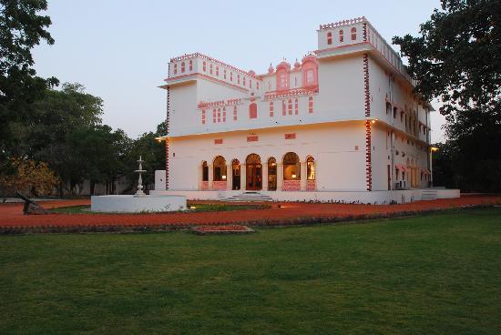Bijay Niwas Palace