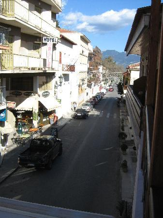 Sibylla Hotel : View of the short way to the archeological site