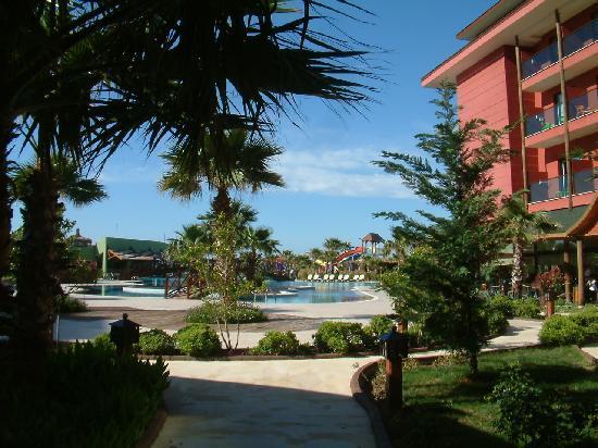 Siam Elegance Resort & Spa : Blick auf die Aussenanlagen