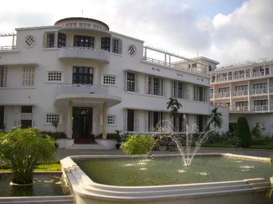 La Residence Hue Hotel & Spa - MGallery by Sofitel: Hotel entrance