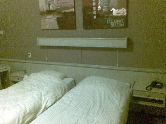 Logis Hotel Het Wapen van Harmelen : Room 1 beds