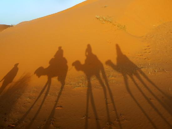 Kasbah Sable D'or : Robert, Inma & Sandra in the desert