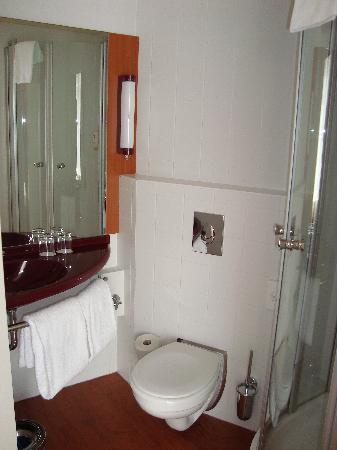 Star Inn Hotel Budapest Centrum, by Comfort: Toilet