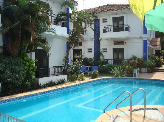 The Ronil Royale : Hotellet med poolen