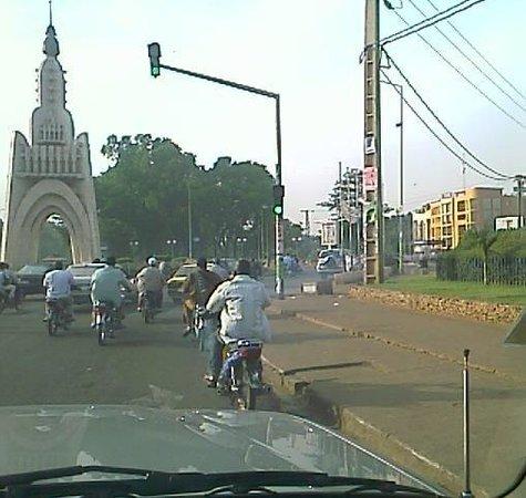 morning traffic in bamako