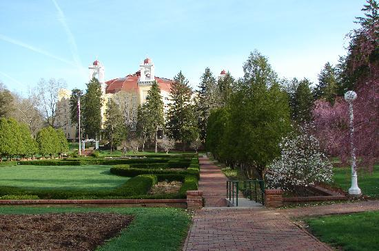 West Baden Springs, IN: View of the grounds on walk