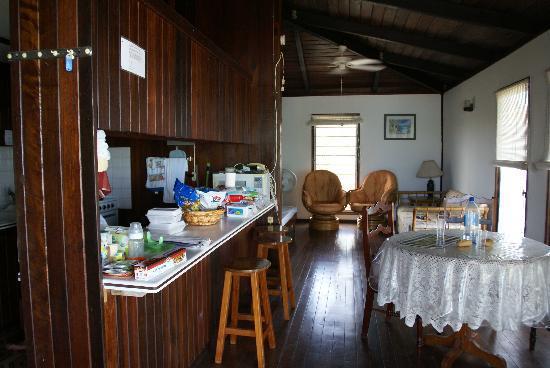 Antigua Cottages : salotto e cucina