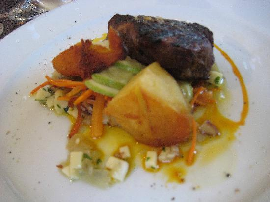 B&B Plaza Italia: lunch at bodega ruca malem