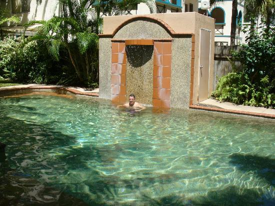 Grosvenor in Cairns: The pool
