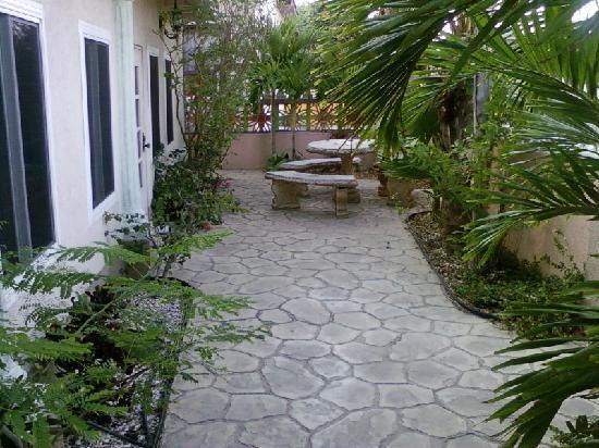 Le Chateau Aruba: terrace