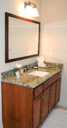 The Westin Cape Coral Resort At Marina Village: Another view of bathroom