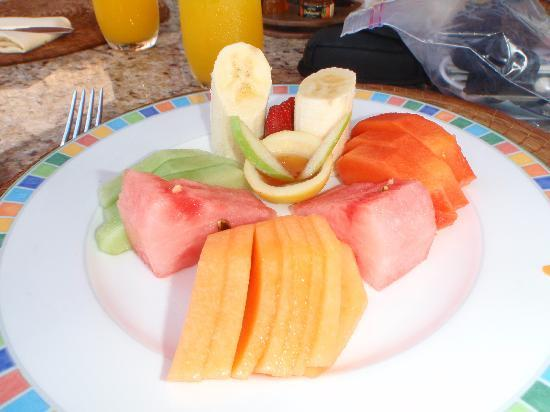 Zoetry Paraiso de La Bonita: Fruit plate - breakfast