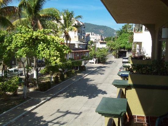 Hotel Solimar Inn Suites: view from balcony