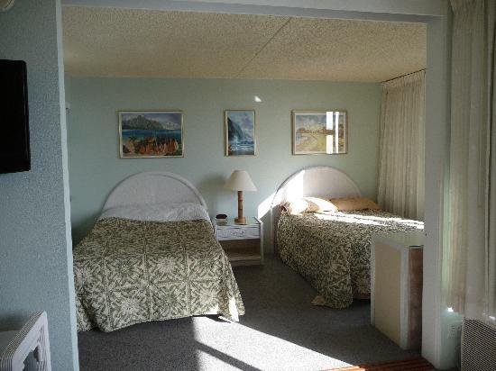 Waikiki Banyan : Bedroom 2 dbls