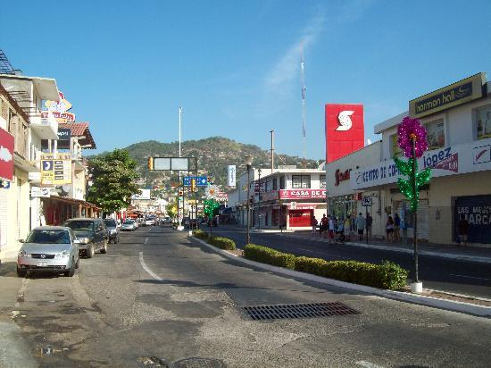 Hotel Solimar Inn Suites: Main street (CENTRO) about 2 blocks from hotel