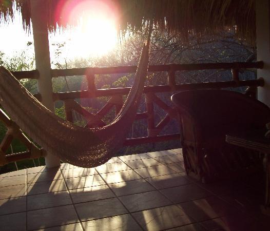 Cabanas Biuzaa': Atardecer en la suite
