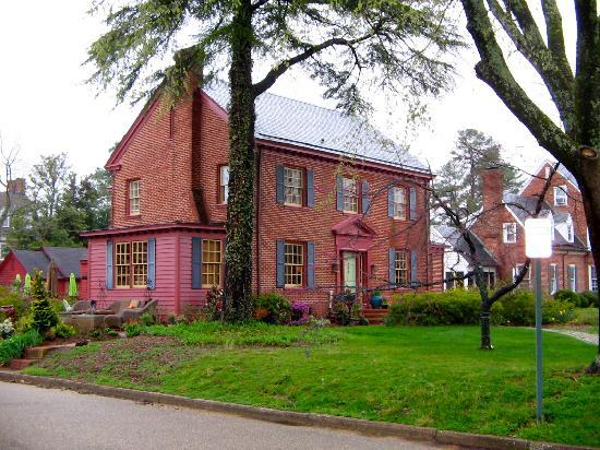 The Williamsburg Manor Bed and Breakfast: Williamsburg Manor