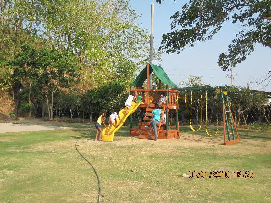 Binangonan, Filippinerna: playground