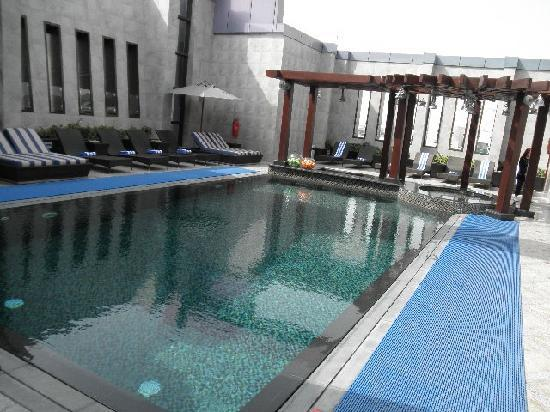 Raintree Hotel, Deira City Centre: swiming pool