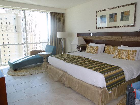 JA Oasis Beach Tower: Main bedroom