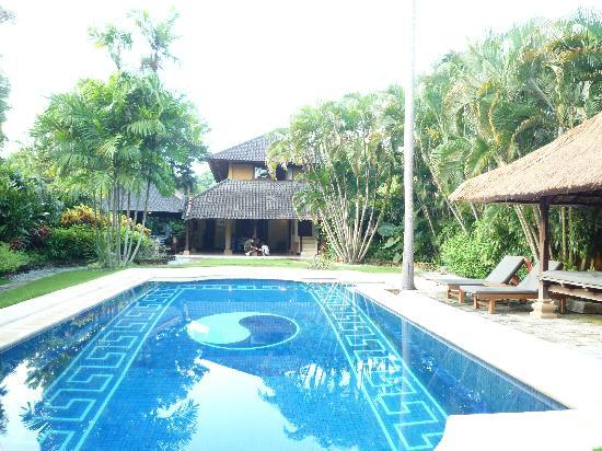 The Villas Bali Hotel & Spa: 広い敷地!