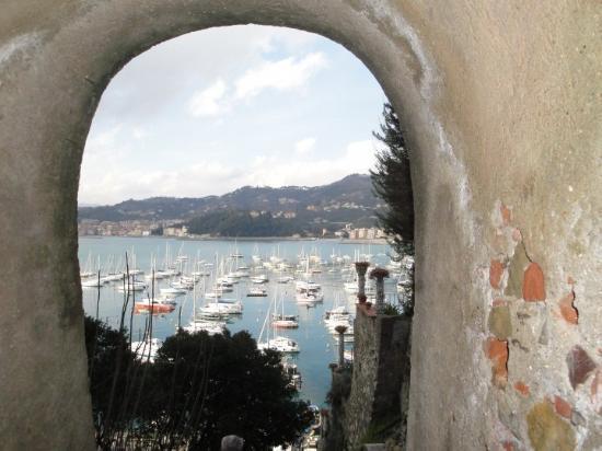 Lerici, إيطاليا: Keyhole view of the bay.  Lerici, Italy