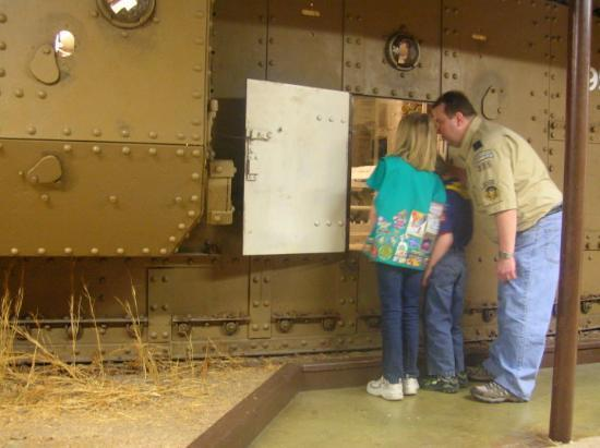 Fort Knox, KY: Jerry talks to the kids about the WWI tank they're looking into.