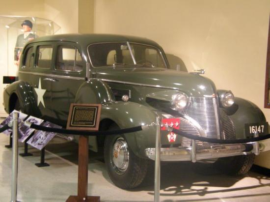Fort Knox, KY: Patton's staff car.