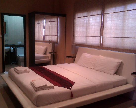 Khon Kaen, Thailand: Double Bed room with aircon