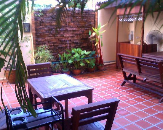 Khon Kaen, Tailândia: Outdoor seating area