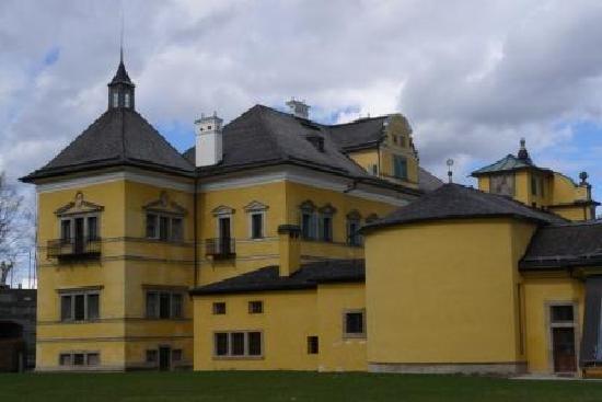 Hotel Mozart: cloister Kapuzinerberg