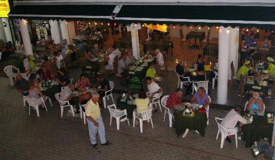 The Sweet Restaurant : Please dining at reasonable prices away from Patong traffic