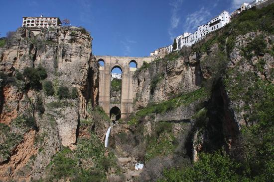 Hotel Molino: View of Ronda's 'new bridge'