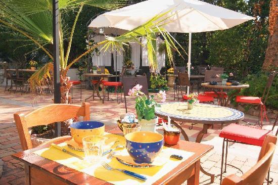 Hotel Le Pre Catelan : take breakfast in the garden