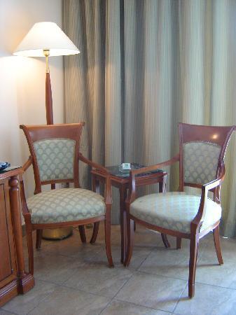 Mediterranean Azur Hotel: petit salon