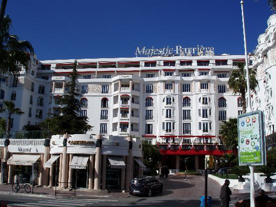 Hotel frontage picture of hotel barriere le majestic for Hotels barriere