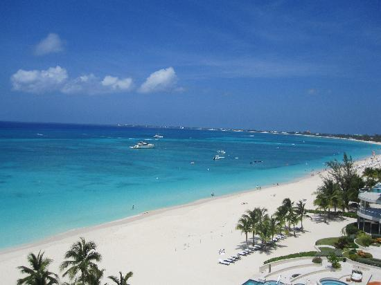 Beachcomber Grand Cayman: View from our condo