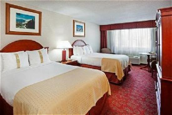 Holiday Inn Asheville - Biltmore East: Specious Guestrooms Ideal for Families
