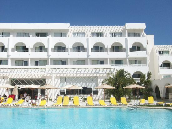 Happy Days Sultan Beach: vue de l' Hotel avec piscine