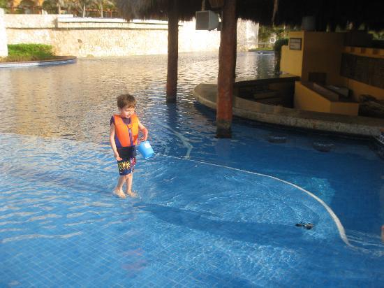 Fiesta Americana Condesa Cancun All Inclusive: Pool