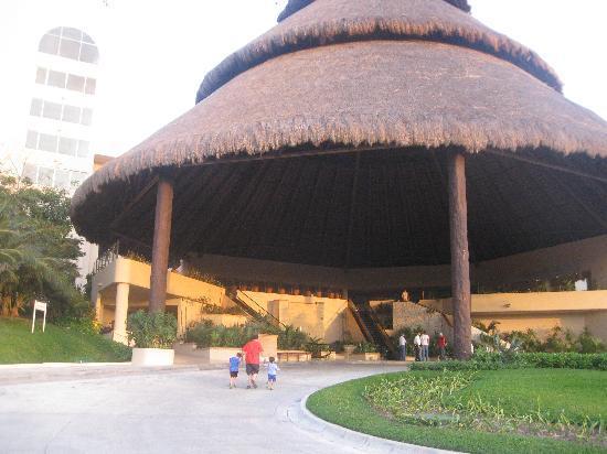 Fiesta Americana Condesa Cancun All Inclusive: In front of the hotel