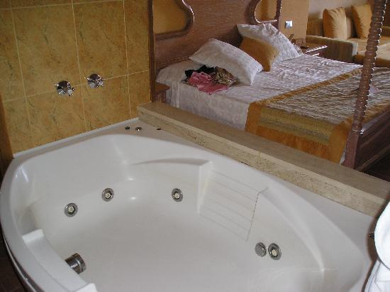 iberostar suites hotel jardin del sol jacuzzi