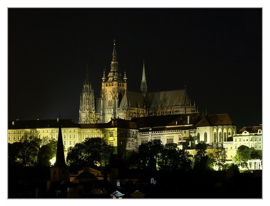 Prague, Czech Republic: Catello di Praga by Night