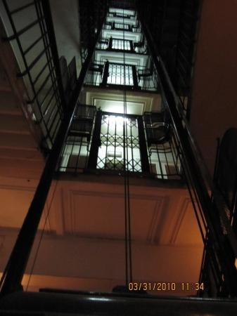 Windsor Hotel Cairo: The elevator shaft looking up from the lobby.