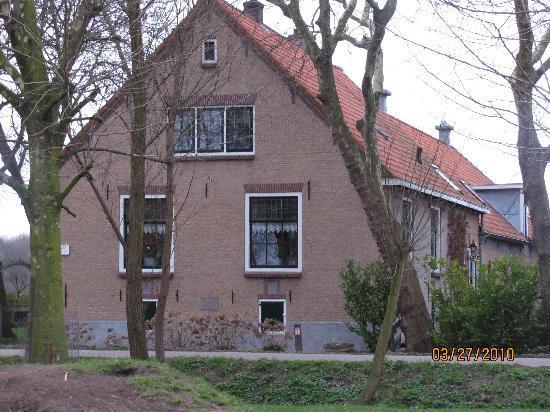 Buitengoed De Uylenburg: Hotel view