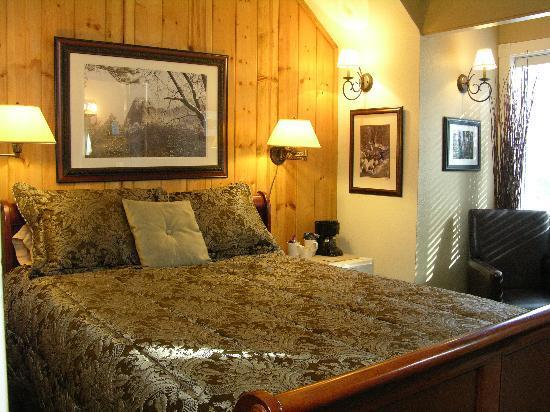 Rainbow Inn Bed & Breakfast: Bear Den