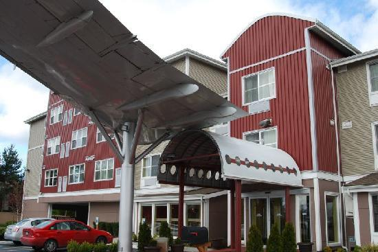 BEST WESTERN PLUS Navigator Inn & Suites: Hotel entrance