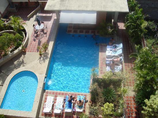 Residencias Miramar Suites: Piscina