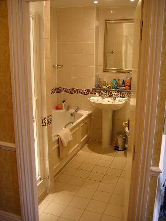 Richmond Gate Hotel: Salle de bains