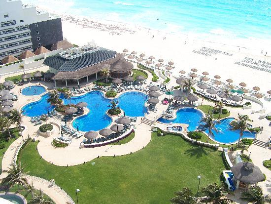 JW Marriott Cancun Resort & Spa: View from the balcony of our room